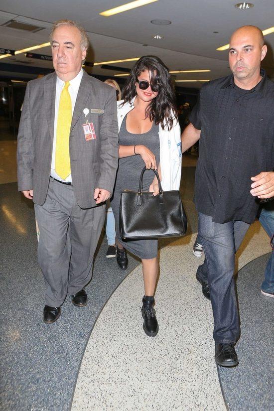 Po Selenie Gomez widać dodatkowe 5 kilogramów (FOTO)