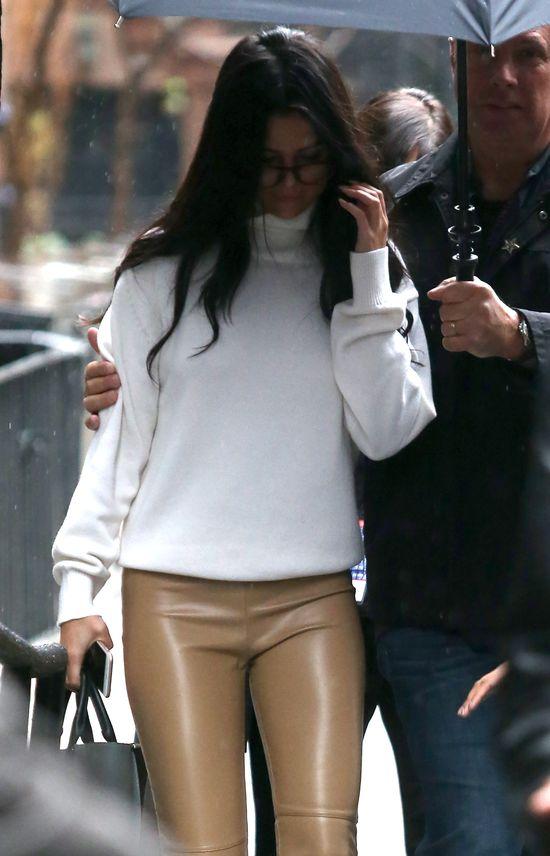 Selena Gomez została aresztowana! (VIDEO)
