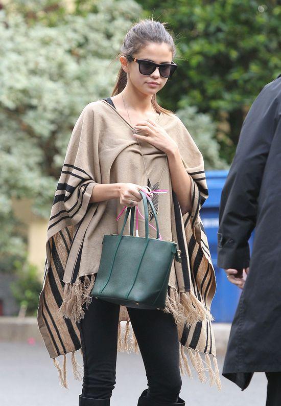 Tak napradę wygląda Selena Gomez bez makijażu (FOTO)