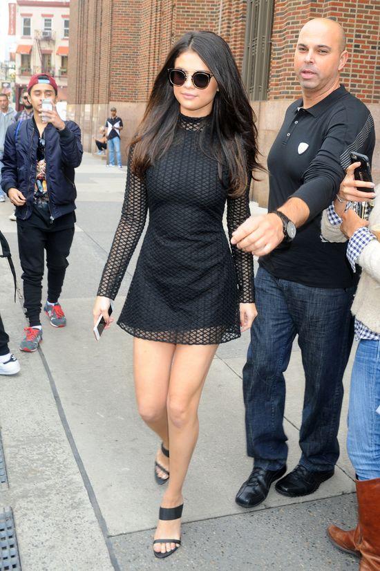 WOW! Selena Gomez dawno nie wyglądała TAK seksownie! (FOTO)