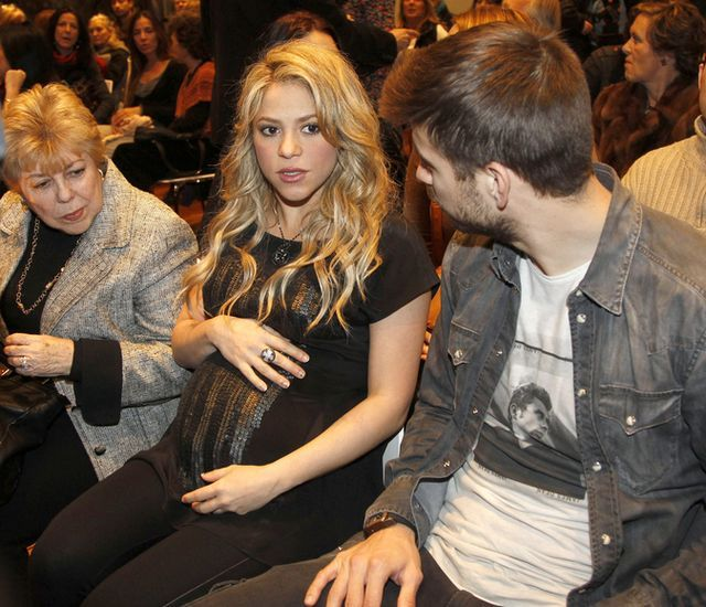 Bardzo ciężarna Shakira na gali (FOTO)