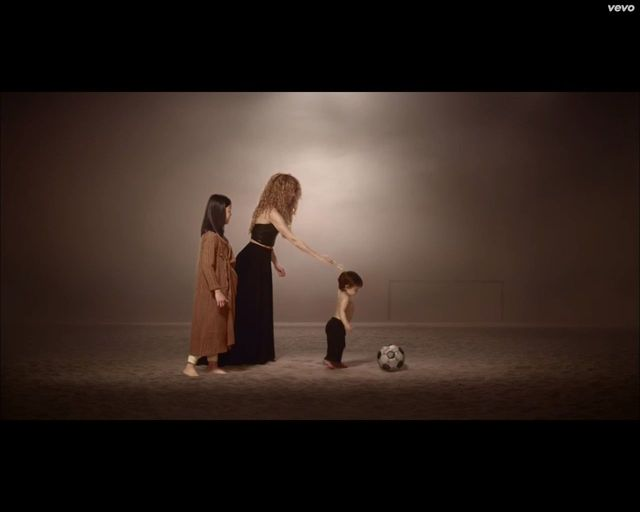 Milan, syn Shakiry, zadebiutował w teledysku [VIDEO]