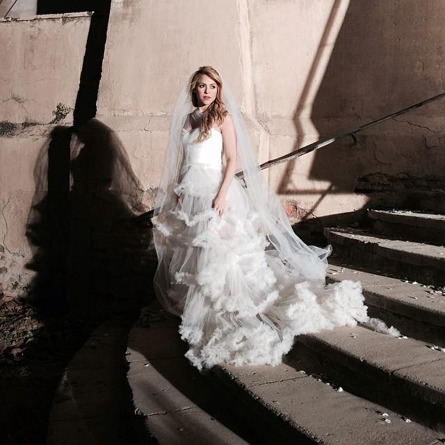 Shakira w sukni ślubnej - czy o czymś nie wiemy? (FOTO)