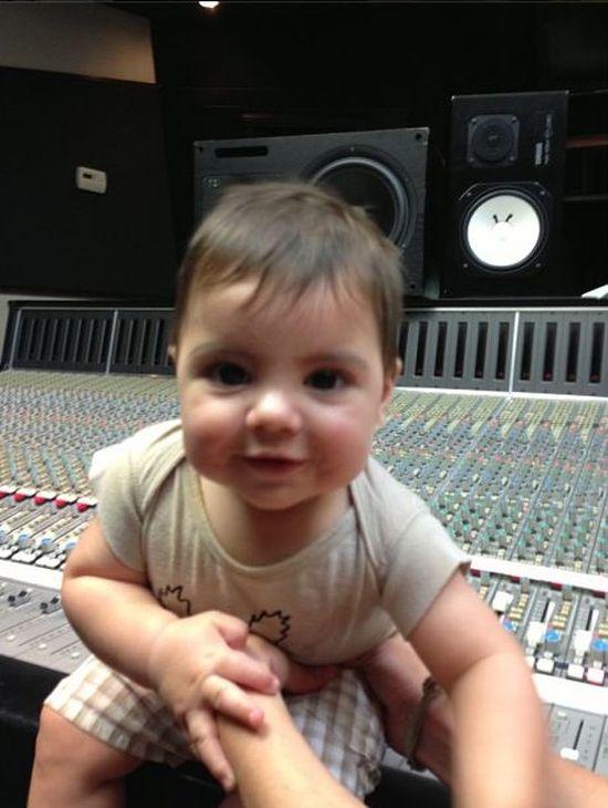Shakira pracuje z synkiem (FOTO)