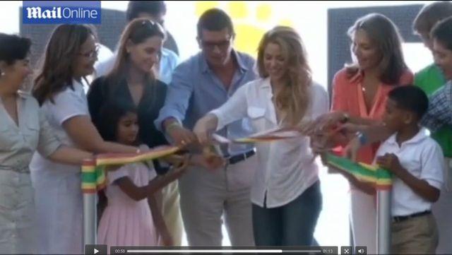 Shakira zabra�a synka w rodzinne strony (FOTO+VIDEO)