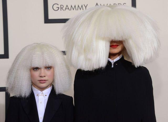 Dlaczego Sia nie chce pokazywa� swojej twarz?