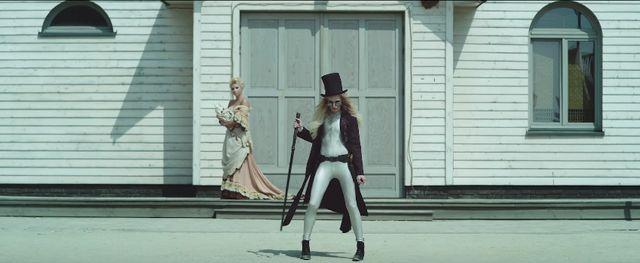 Madox udostpni kontrowersyjny teledysk do Les Roses Noires (VIDEO)
