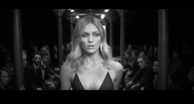 NAGA Anja Rubik w nowym teledysku Mary Komasy! (+18); (VIDEO)