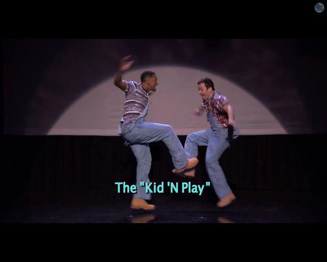 Will Smith i Jimmy Fallon demonstrują ewolucję hip-hopu