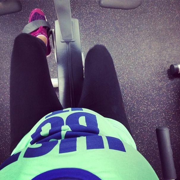 Snooki w 8. miesiącu ciąży wciąż pakuje na siłowni (VIDEO)