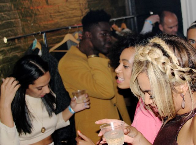 Bójka Solange i Jaya Z  to wina Rihanny?