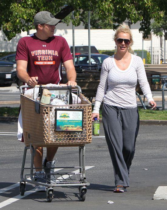 Pi�amowy look Britney Spears (FOTO)