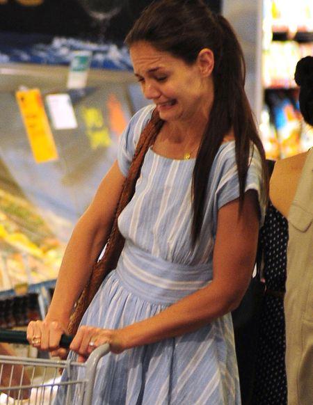 Suri Cruise na zakupach z mamą (FOTO)