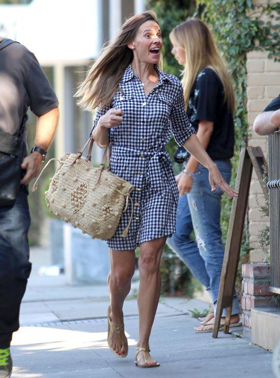 Hilary Swank przyłapana bez makijażu (FOTO)