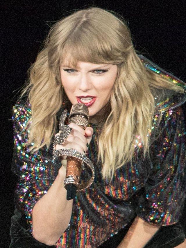 Fani W SZOKU po tym, co zaszło między Taylor Swift i Katy Perry