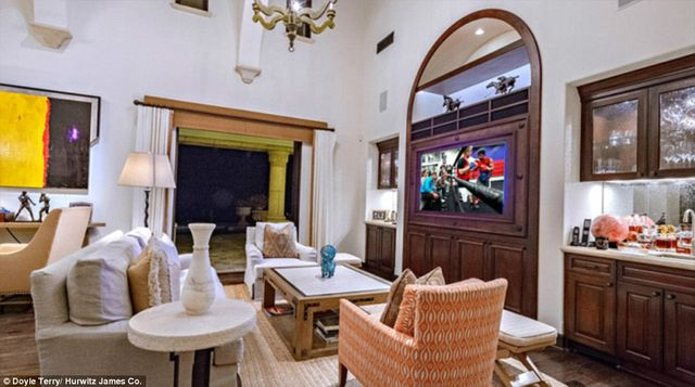 Dlaczego dom Sylvestra Stallone jest przeklęty? (FOTO)