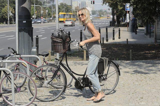 Agnieszka Szulim do pracy je�dzi rowerem (FOTO)