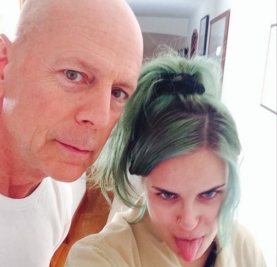 C�rka Demi Moore z siostr� nago w wannie (FOTO)