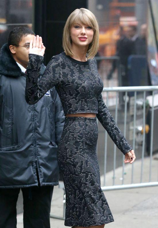 Zapomniała ubrać pupy? (FOTO)