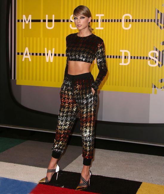 WoW! Taylor Swift po raz pierwszy bez makijażu...