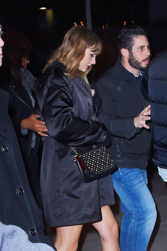 Dopiero, gdy Taylor pokazała nogi, internauci zorientowali się, że przytyła