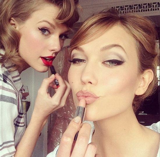 Taylor Swift czy Karli Kloss - którą widzimy na zdjęciu?