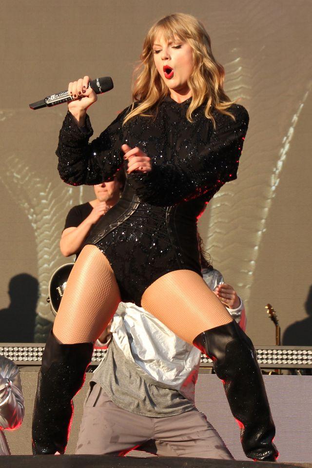 Dziennikarz zasugerował Taylor Swift, że powinna... wziąć prysznic