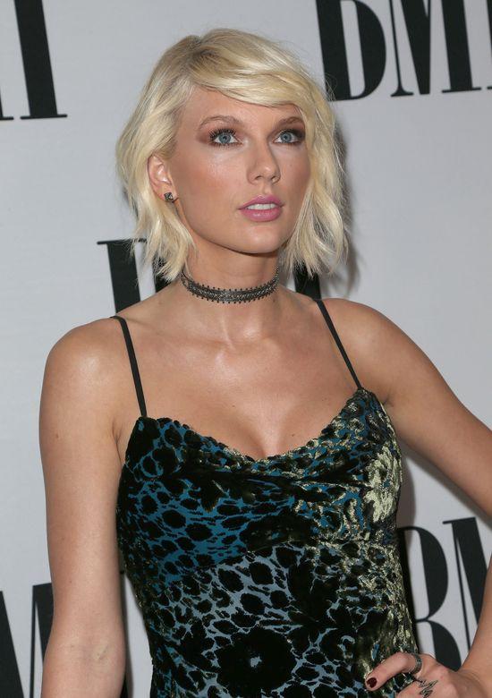 Cardi D pokonała Taylor Swift. Wokalistka wysłała jej nietypowy prezent