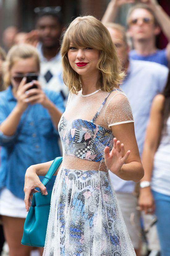 Tajemnica perfekcyjnego looku Taylor wychodzącej z siłowni