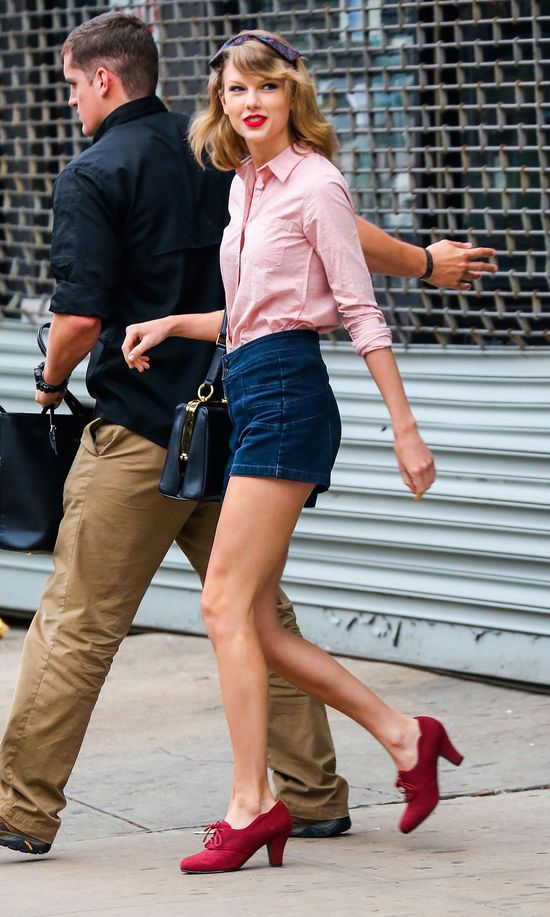 Najpiękniejsze nogi w Hollywood dopieszczone szpilkami