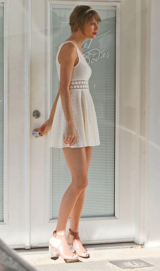 Wow! Tylor Swift zrezygnowała z dojrzałego stylu i... (FOTO)
