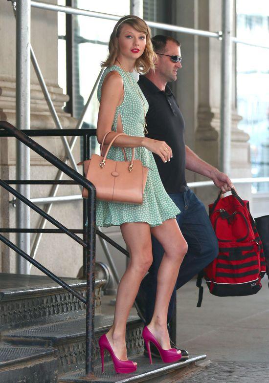 Rosie Huntington-Witheley i Taylor Swift mają wspólną cechę