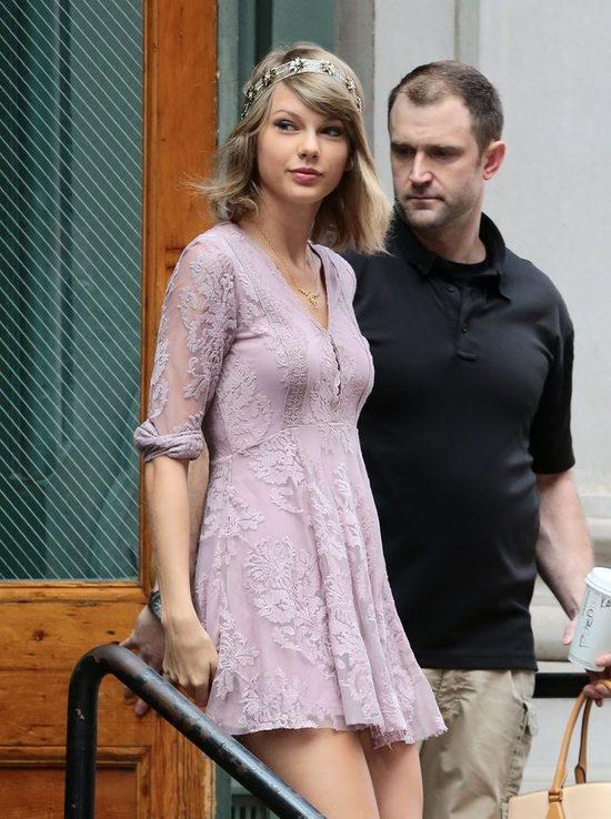 Trzy lata temu Swift za�piewa�a dla chorego ch�opca