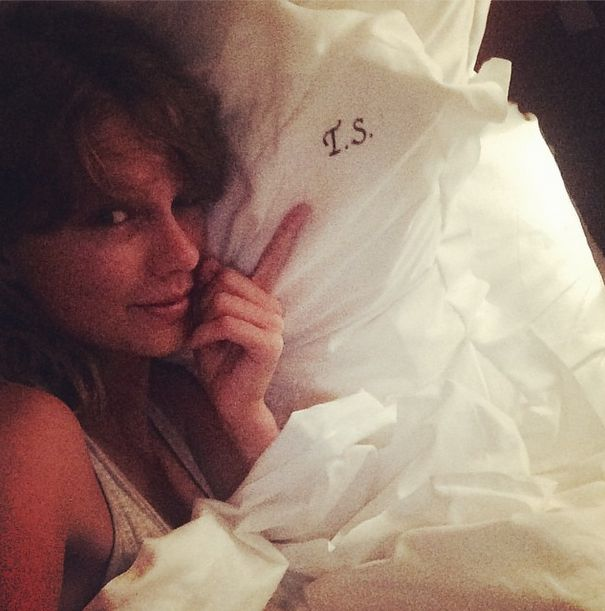 Co powiecie na Taylor Swift w łóżku i bez makijażu (FOTO)