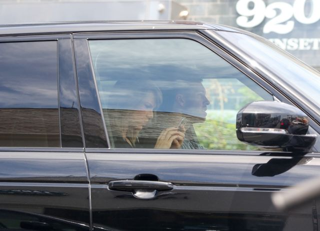Taylor Swift promienieje u boku Harrisa (FOTO)