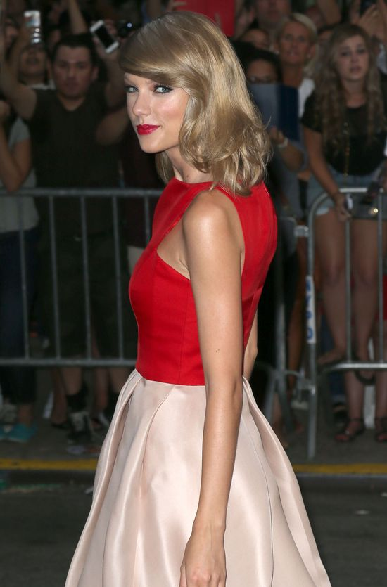 Katie Holmes kontra Taylor Swift (FOTO)