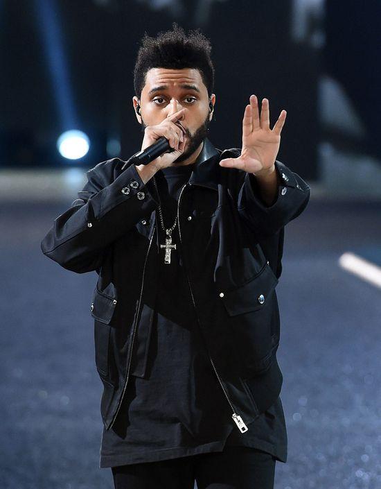 Eksperci rozszyfrowali mowę ciała Seleny Gomez i The Weeknd! To wiele TŁUMACZY