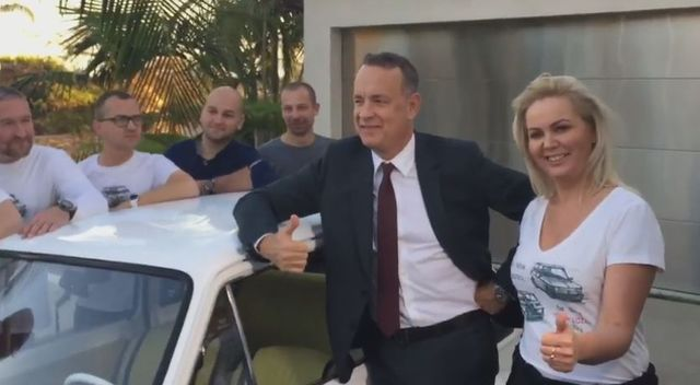 Tom Hanks odebrał swojego malucha (VIDEO)