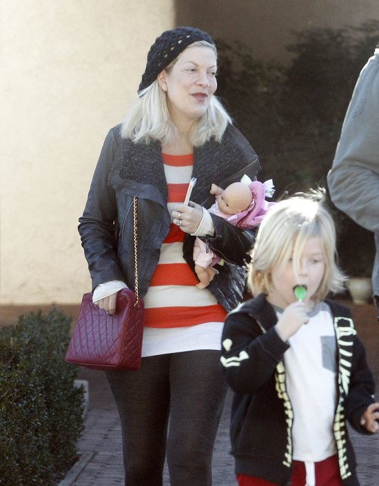 Tori Spelling zabrała dzieci do dentysty (FOTO)
