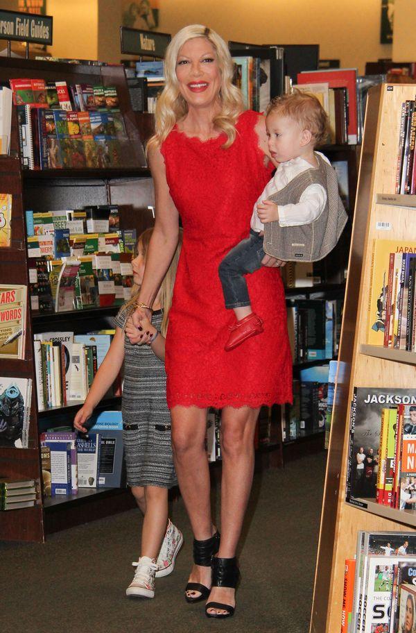 Tori Spelling zamieniła życie swego męża w PIEKŁO