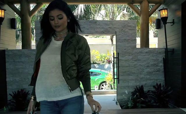 Kylie i Tyga ca�uj� si� w jego nowym klipie! (FOTO)