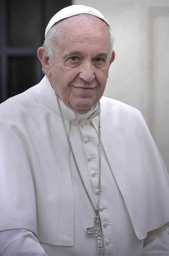 Czy Andrzej Duda popełnił faux pas względem Papieża Franciszka? (FOTO)