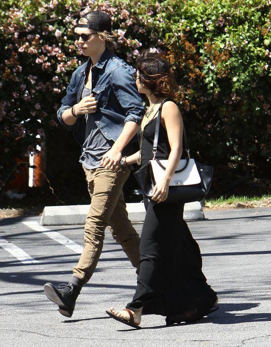 Vanessa Hudgens z chłopakiem na randce (FOTO)