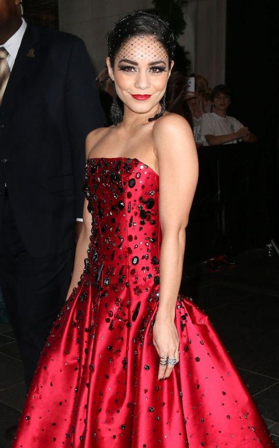 Selena Gomez sporo zawidzięcza Hudgens na gali MET