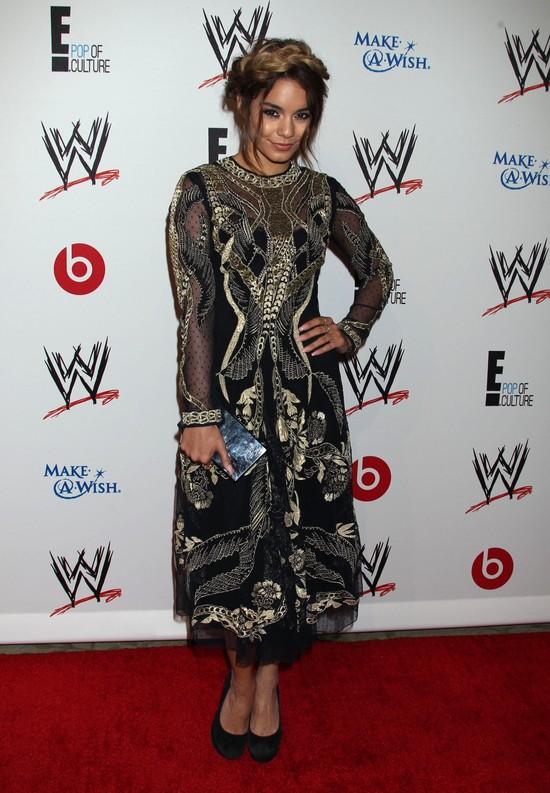 Vanessa Hudgens wygląda jak choinka (FOTO)