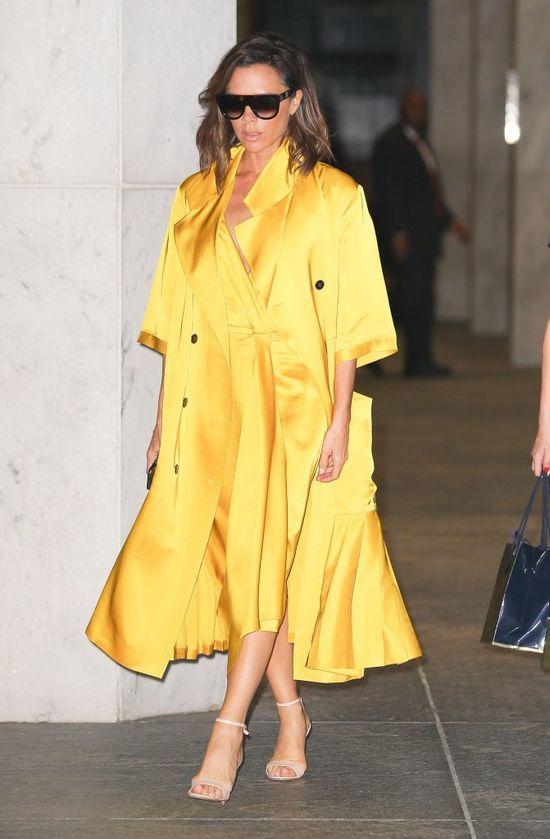 Victoria Beckham ukrywa ciążowy brzuszek pod obszernym płaszczem? (FOTO)