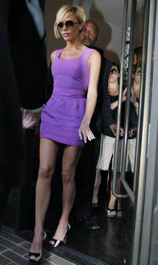 Victoria Beckham wyprzedaje swoje ubrania! (FOTO)