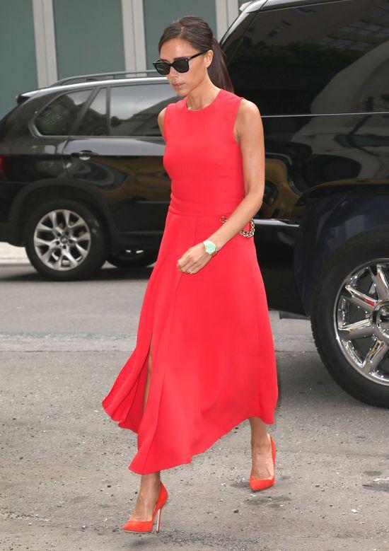 Victoria Beckham rozgrzana do czerwoności (FOTO)