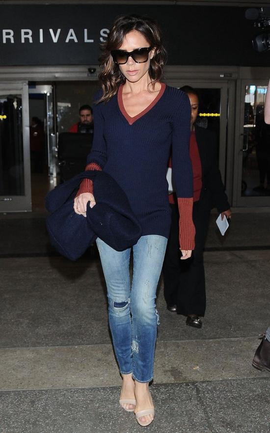 Ile wa�y Victoria Beckham? Po czw�rce dzieci ma figur� 20-latki! (FOTO)
