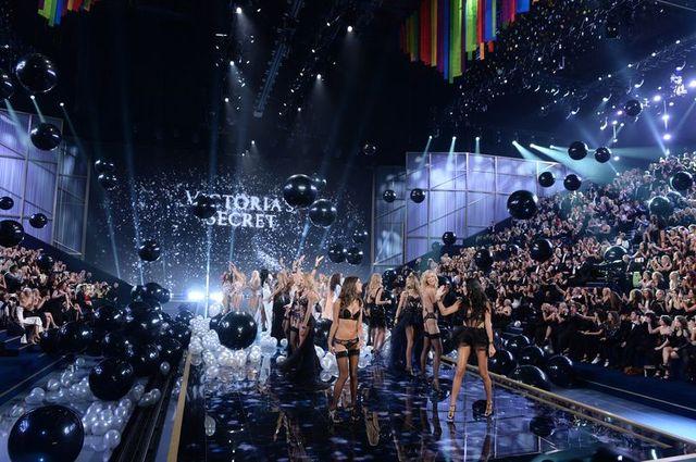 Mamy zdjęcia z Victoria's Secret Show! (FOTO)
